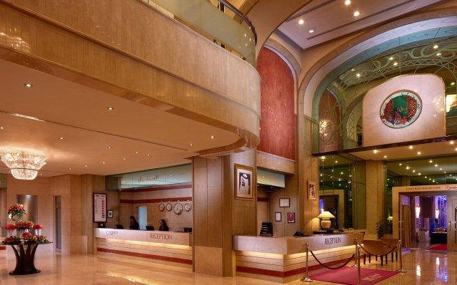 Отель Crowne Plaza Dubai ОАЭ, Дубай - отзывы, цены и фото номеров - забронировать отель Crowne Plaza Dubai онлайн интерьер отеля