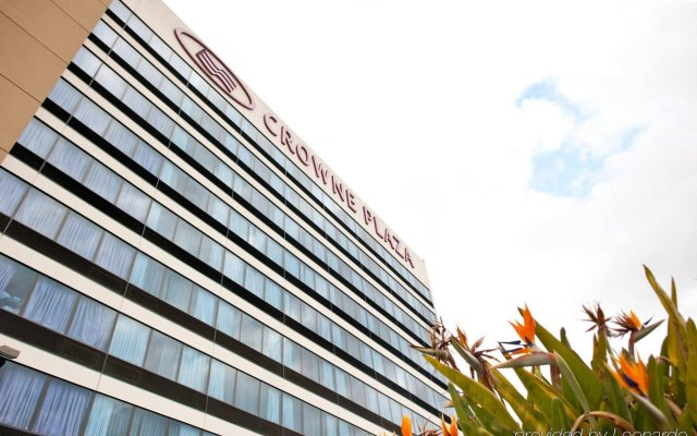 Отель Crowne Plaza San Jose-Silicon Valley вид на фасад