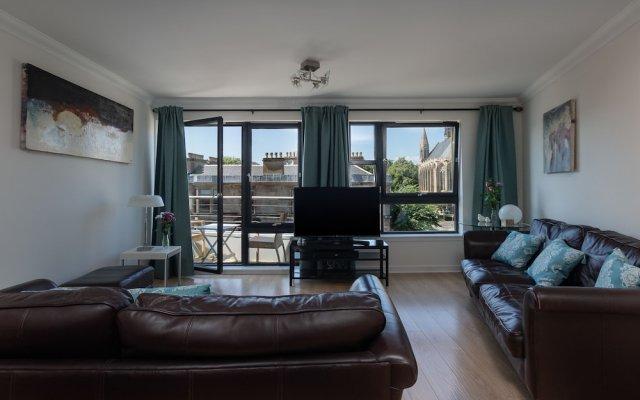 Апартаменты Hillhead Apartment with Roof terrace Глазго комната для гостей