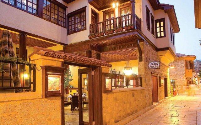 Otantik Hotel Турция, Анталья - отзывы, цены и фото номеров - забронировать отель Otantik Hotel онлайн вид на фасад