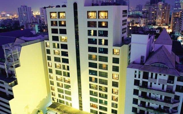 Отель BelAire Bangkok Бангкок вид на фасад