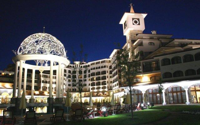 Отель Royal Palace Helena Sands вид на фасад