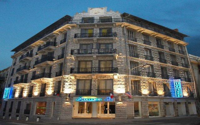 Отель AZUREA Ницца вид на фасад