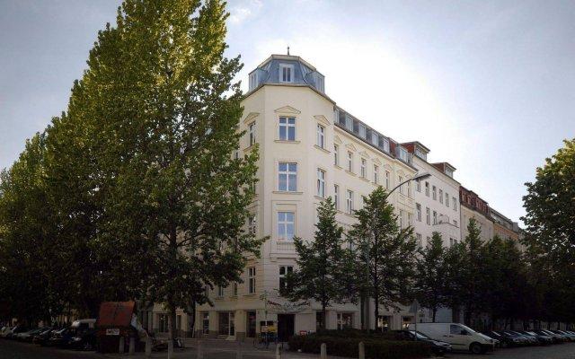 Отель Old Town Apartments Schönhauser Allee Berlin Германия, Берлин - отзывы, цены и фото номеров - забронировать отель Old Town Apartments Schönhauser Allee Berlin онлайн вид на фасад