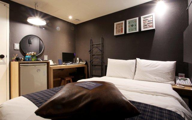 Отель Kotel Sinchon комната для гостей