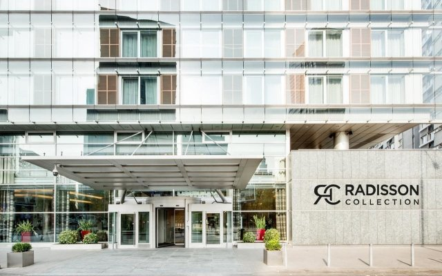 Radisson Collection Hotel Warsaw вид на фасад