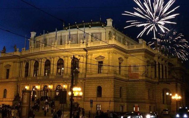 Florentina Boat Hotel Прага вид на фасад