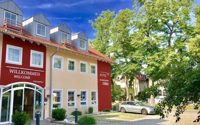 Отель Bed & Breakfast Erber Германия, Исманинг - отзывы, цены и фото номеров - забронировать отель Bed & Breakfast Erber онлайн вид на фасад