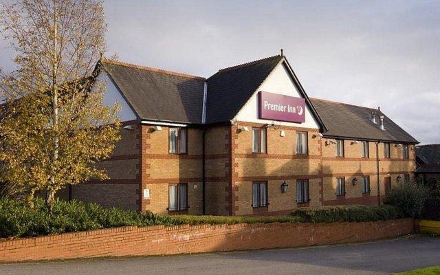 Отель Premier Inn Warrington North East вид на фасад