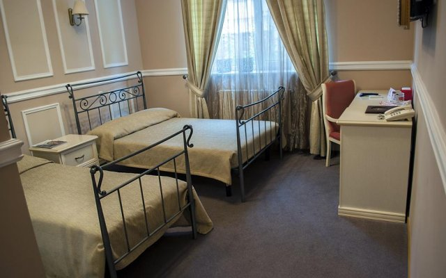 Гостиница Гостиный Двор Украина, Одесса - 8 отзывов об отеле, цены и фото номеров - забронировать гостиницу Гостиный Двор онлайн комната для гостей