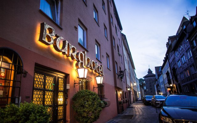 Отель Burghotel Nürnberg Германия, Нюрнберг - отзывы, цены и фото номеров - забронировать отель Burghotel Nürnberg онлайн вид на фасад