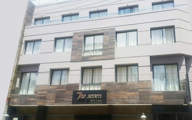 The Seven Hotel and Spa вид на фасад