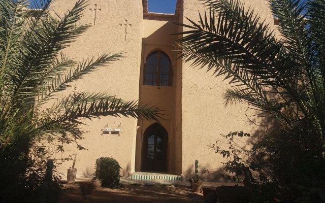 Отель Dar Lola Марокко, Мерзуга - отзывы, цены и фото номеров - забронировать отель Dar Lola онлайн вид на фасад