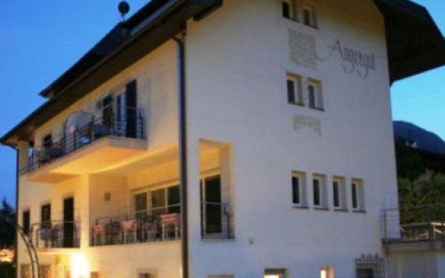 Отель Pension Angergut Лана вид на фасад