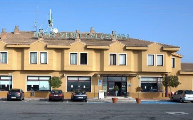 Отель Zenit Calahorra Калаорра вид на фасад