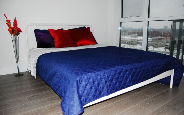 Shops at Don Mills Furnished Apartments