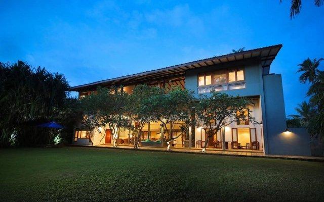 Отель Saffron & Blue - an elite haven вид на фасад