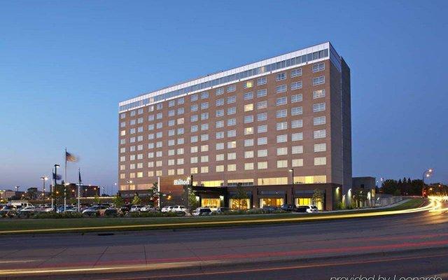 Отель Hilton Minneapolis/Bloomington США, Блумингтон - отзывы, цены и фото номеров - забронировать отель Hilton Minneapolis/Bloomington онлайн вид на фасад