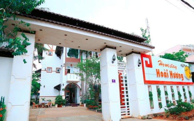 Отель Hoai Huong Homestay Далат вид на фасад