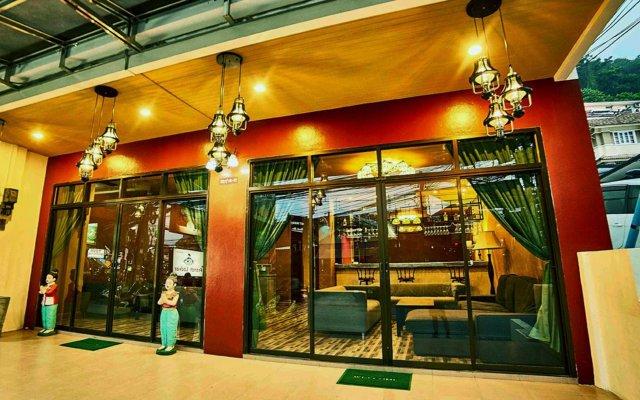 Ol'Masta Hotel & Lounge вид на фасад