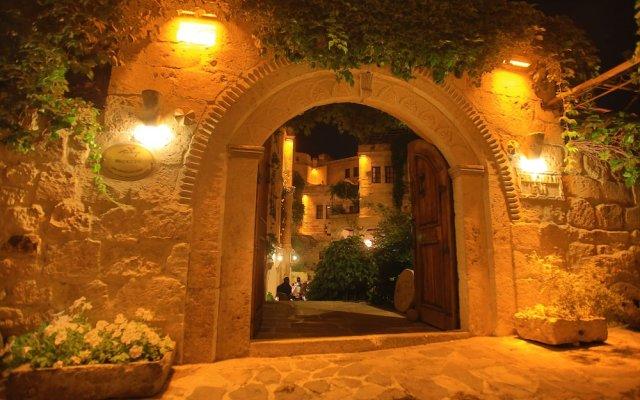 Selcuklu Evi Cave Hotel - Special Class Турция, Ургуп - отзывы, цены и фото номеров - забронировать отель Selcuklu Evi Cave Hotel - Special Class онлайн вид на фасад