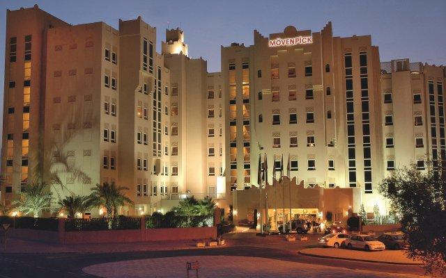 Movenpick Hotel Doha вид на фасад
