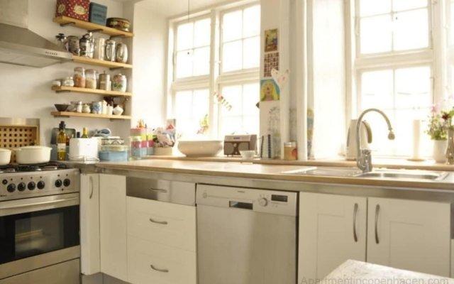 Апартаменты 2 bedroom apartment Gothersgade 134-1 Копенгаген в номере