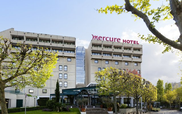 Отель Mercure Paris Porte de Versailles Expo вид на фасад