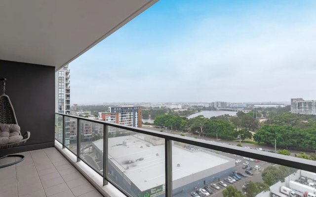 Spacious 2 BR Flat In Wolli Creek + Pool and Gym