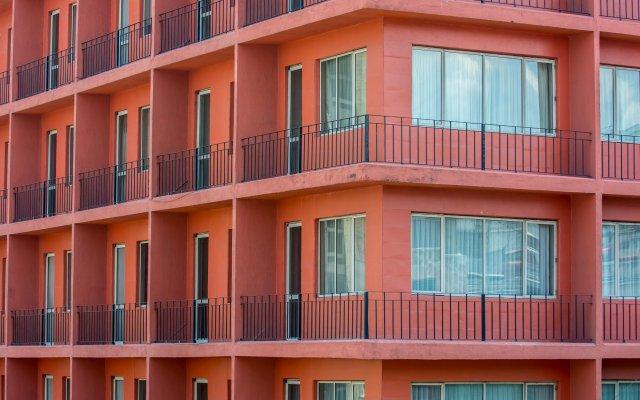 Hotel Fenix вид на фасад