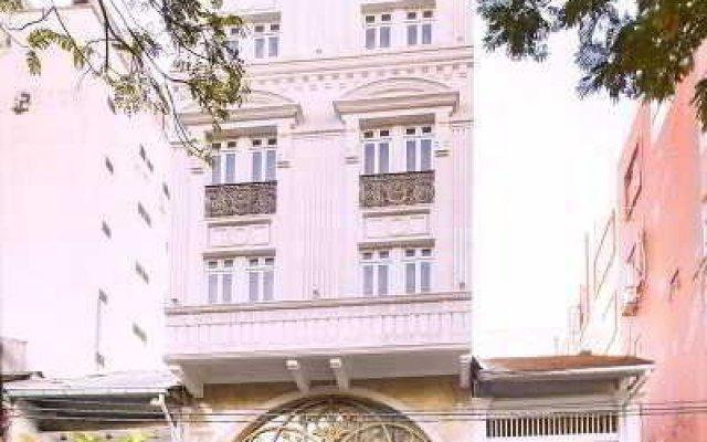 A & Em Hotel - 19 Dong Du вид на фасад