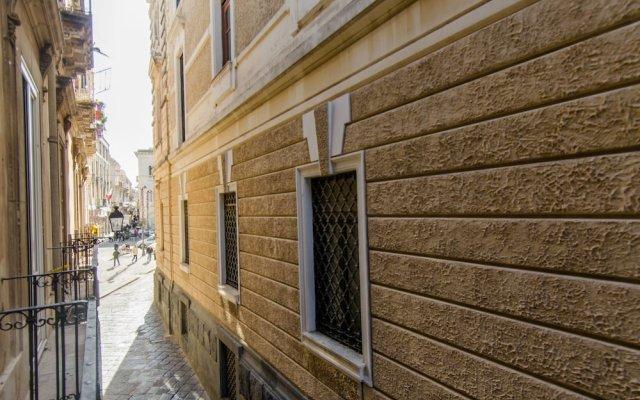 Отель Ortigia Bed and Breakfast Италия, Сиракуза - отзывы, цены и фото номеров - забронировать отель Ortigia Bed and Breakfast онлайн вид на фасад