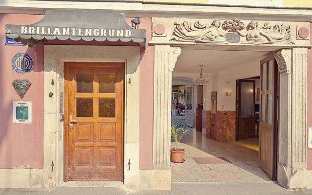Отель Am Brillantengrund Австрия, Вена - 9 отзывов об отеле, цены и фото номеров - забронировать отель Am Brillantengrund онлайн вид на фасад