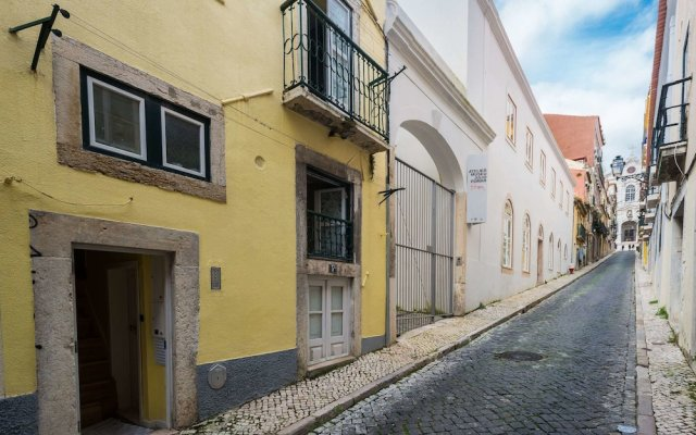 Апартаменты Lisbon Low Cost Apartments вид на фасад