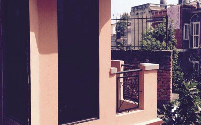 Отель Dev Guest House Непал, Лалитпур - отзывы, цены и фото номеров - забронировать отель Dev Guest House онлайн вид на фасад