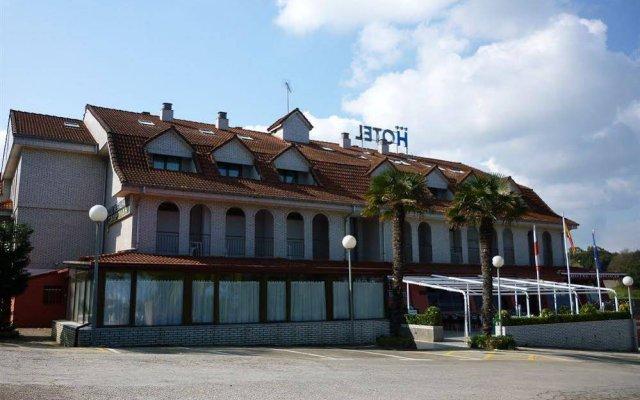 Отель Campomar De Isla Арнуэро вид на фасад