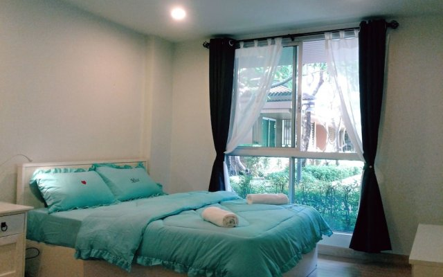 Апартаменты Apartment At Bangkok Near Pool Бангкок комната для гостей
