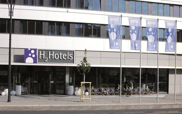 Отель H2 Hotel Berlin Alexanderplatz Германия, Берлин - 5 отзывов об отеле, цены и фото номеров - забронировать отель H2 Hotel Berlin Alexanderplatz онлайн вид на фасад