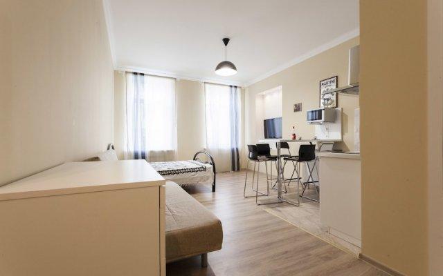 Апартаменты RentalSPb 4 Studio Antonenko комната для гостей