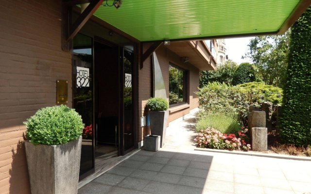 Hotel 322 Lambermont вид на фасад