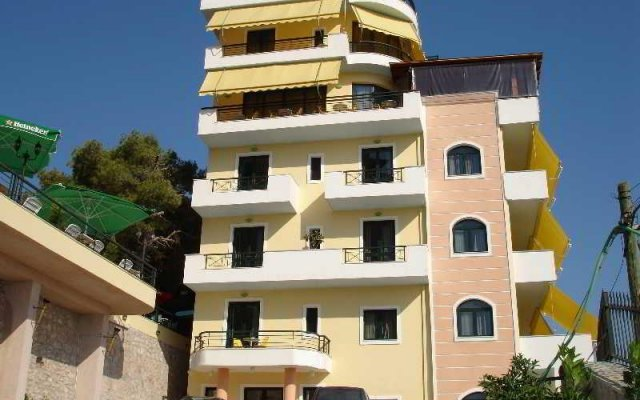 Отель Olympia Bezaini вид на фасад