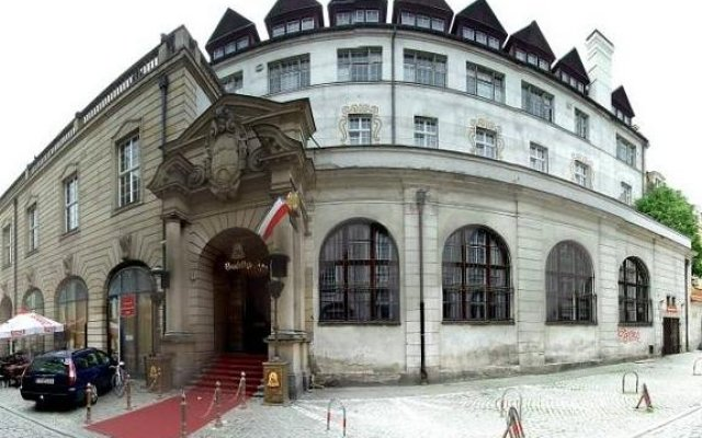 Отель Shanti Residence Познань вид на фасад