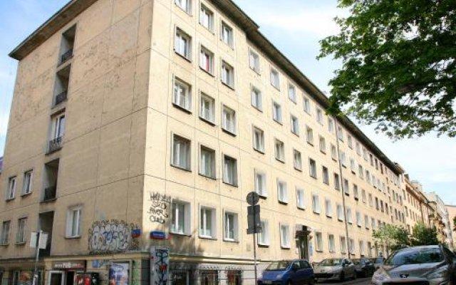 Fest Hostel Варшава вид на фасад