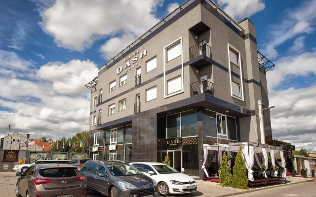 Dash Star Hotel Нови Сад вид на фасад