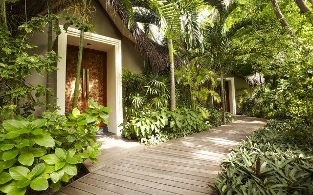 Отель Baros Maldives Мальдивы, Остров Барос - 8 отзывов об отеле, цены и фото номеров - забронировать отель Baros Maldives онлайн вид на фасад