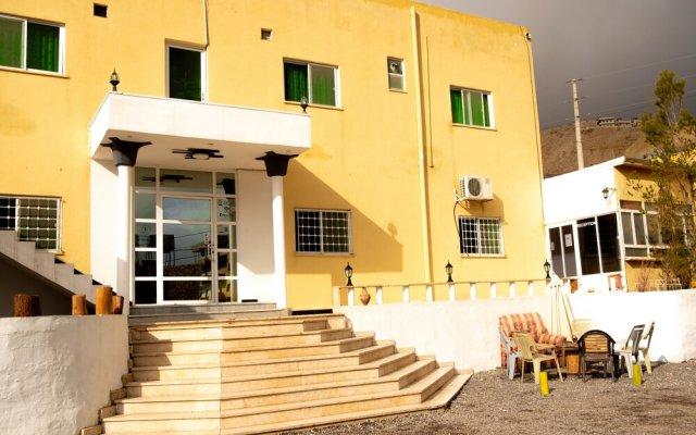 Отель Value place Иордания, Вади-Муса - отзывы, цены и фото номеров - забронировать отель Value place онлайн вид на фасад