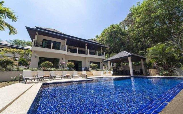 Отель Villa Ploi Attitaya 6 Bed 2 Storey Villa Near Nai Harn Beach Таиланд, Равай - отзывы, цены и фото номеров - забронировать отель Villa Ploi Attitaya 6 Bed 2 Storey Villa Near Nai Harn Beach онлайн вид на фасад