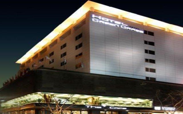Green Grass Tourism Hotel вид на фасад