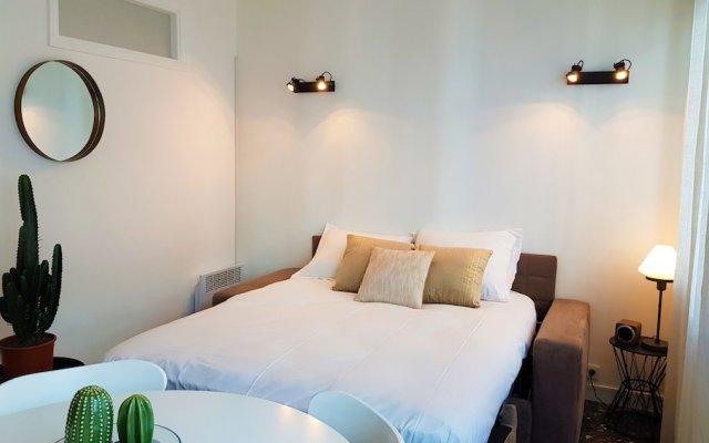 Отель Nice Booking - Emeraude Balcon Vue mer комната для гостей