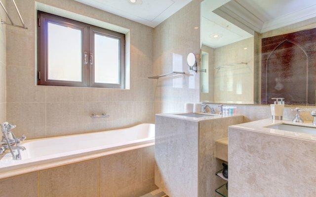 Отель DHH - Al Tajer Дубай ванная